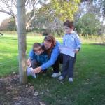 natalie and whanau trying orienteering